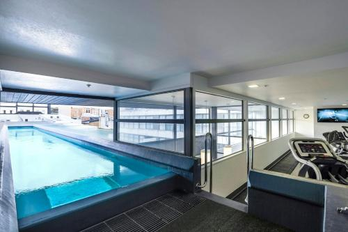 The swimming pool at or near Quest Parnell Serviced Apartments