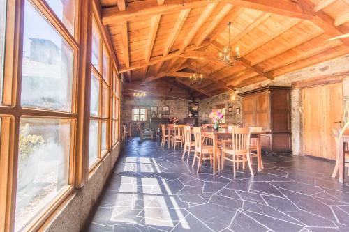 Un restaurante o sitio para comer en Casa Lourán