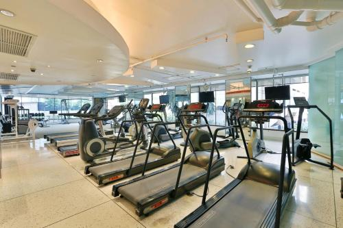 The fitness center and/or fitness facilities at Siri Sathorn Bangkok by UHG