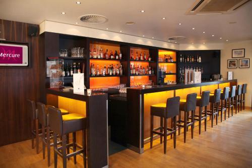The lounge or bar area at Mercure Hotel Köln City Friesenstraße