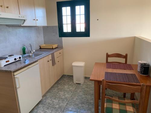 Cucina o angolo cottura di Galini Apartments