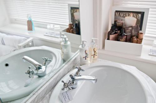 A bathroom at The Laindons