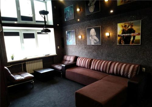 Гостиная зона в De Luxe Apartment on Lenina 40
