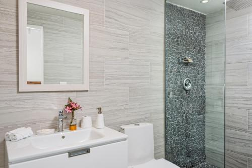 A bathroom at The Oasis at Grace Bay