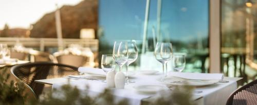 A restaurant or other place to eat at Hotel Bellevue Dubrovnik