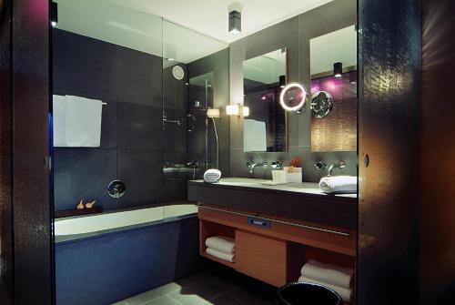Ein Badezimmer in der Unterkunft Hotel Madlein