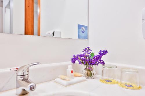 Um banheiro em Comfort Hotel Joinville