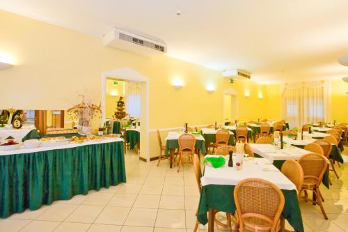 Restaurace v ubytování Hotel Catto Suisse