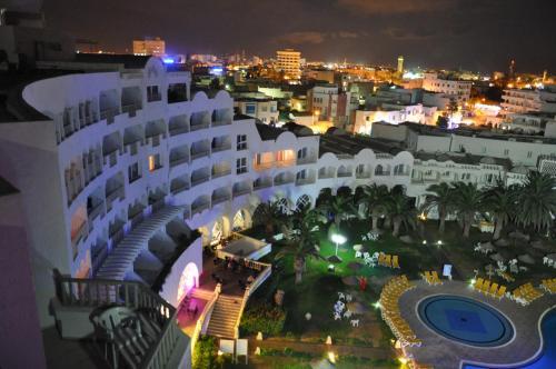 Een luchtfoto van Delphin Resort Monastir