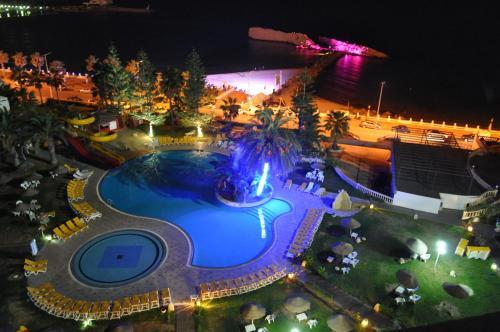 Uitzicht op het zwembad bij Delphin Resort Monastir of in de buurt