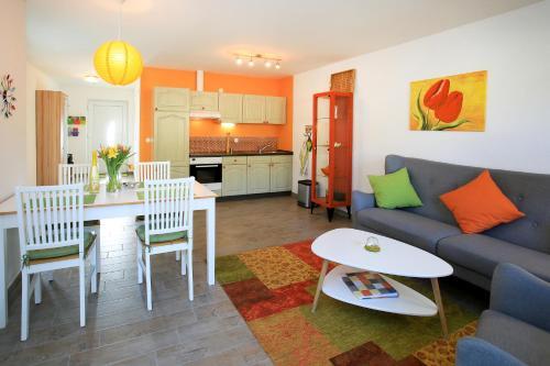 Ein Sitzbereich in der Unterkunft Hainhof Gästewohnungen