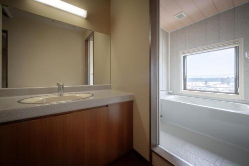 A bathroom at Yamagataya