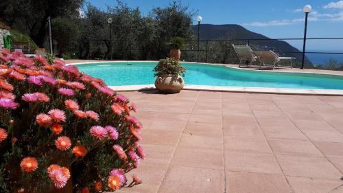 Piscina di Villa Rosetta Suite vista mare o nelle vicinanze