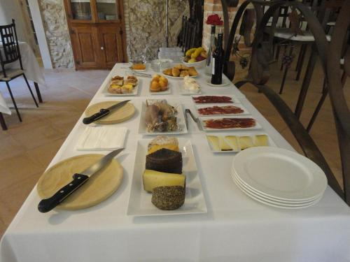 Breakfast options available to guests at Hotel Rural Cal Torner Adults Only