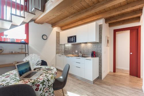 A kitchen or kitchenette at Barchessa Rossetti