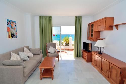 En sittgrupp på Apartamentos HC Burriana Playa