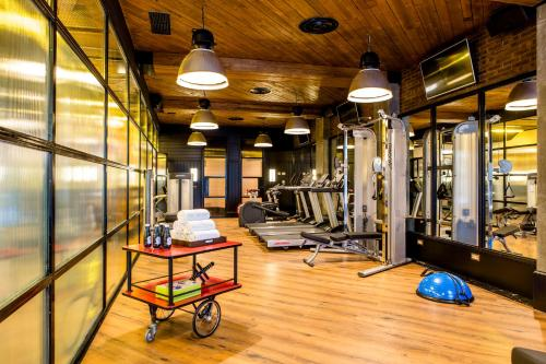The fitness center and/or fitness facilities at Only YOU Hotel Atocha