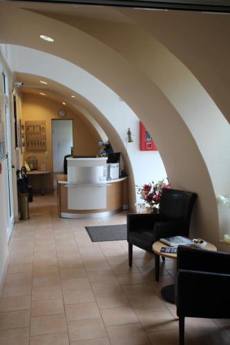 Lobby/Rezeption in der Unterkunft Hotel Hangelar