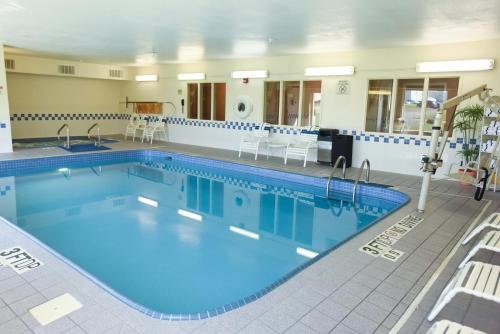 The swimming pool at or near Fairfield Inn by Marriott Forsyth Decatur