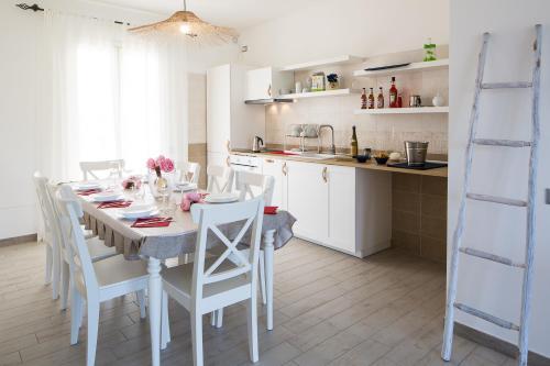 A kitchen or kitchenette at Residence Mar Mediterraneo
