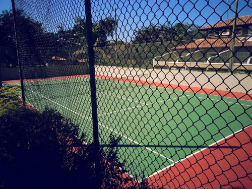 Tennis and/or squash facilities at Hotel El Cazar or nearby