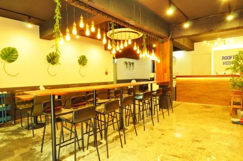 The lounge or bar area at Myeongdong Rooftop Hostel