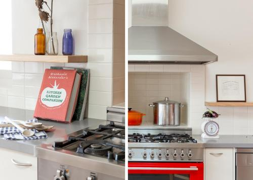 A kitchen or kitchenette at Royal Standard Farm Daylesford