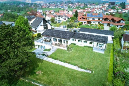 A bird's-eye view of Das Hardberg