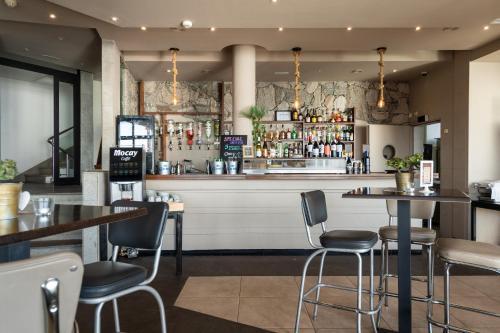 Salon ou bar de l'établissement Holiday Club Jardin Amadores