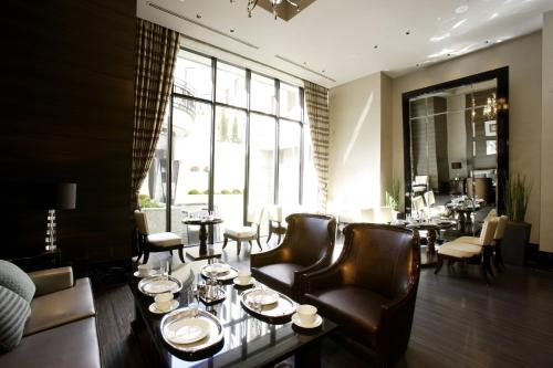 A restaurant or other place to eat at Hotel Trusty Tokyo Bayside