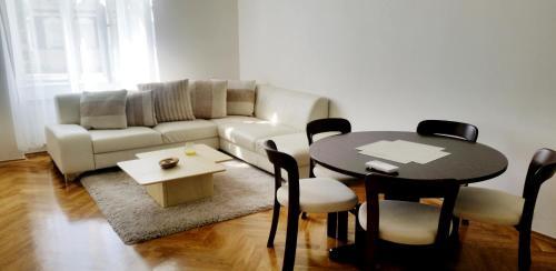 Een zitgedeelte bij Apartment Gallery