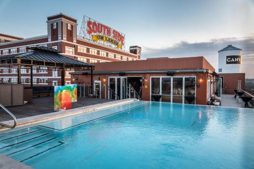 The swimming pool at or near Canvas Hotel Dallas