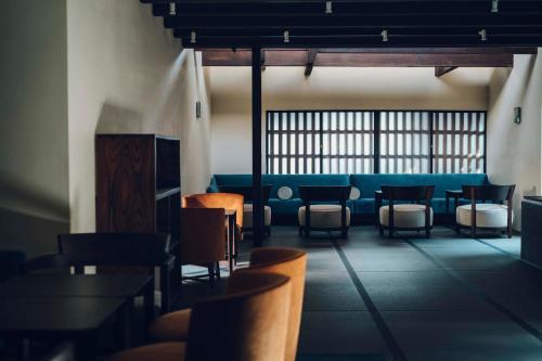 Een restaurant of ander eetgelegenheid bij Luxury hotel SOWAKA