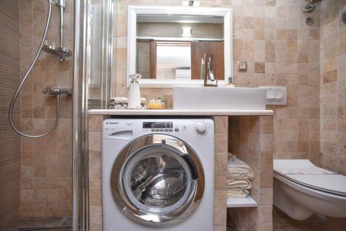 Ванная комната в Apartment Old Town Skyline