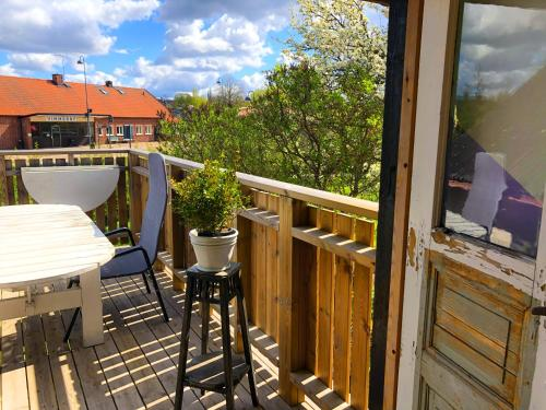 En balkong eller terrass på Central Vimmerby Villa