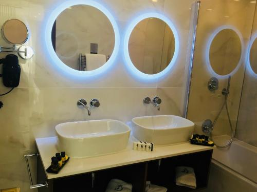 A bathroom at The Duke Boutique Hotel