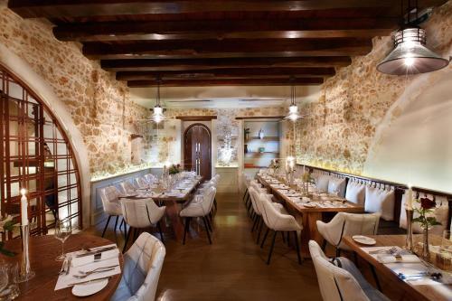 Restauracja lub miejsce do jedzenia w obiekcie Serenissima Boutique Hotel
