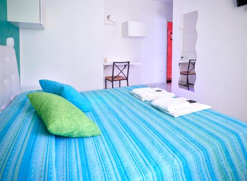A bed or beds in a room at Solerosa