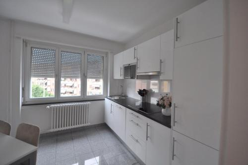 Küche/Küchenzeile in der Unterkunft Swiss Star Hard Bridge - contactless self check-in