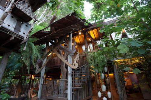 Blick auf Baan Boo Loo Village aus der Vogelperspektive