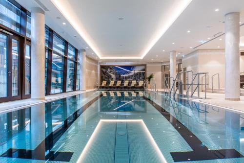 The swimming pool at or close to Radisson Blu Hotel & Residences