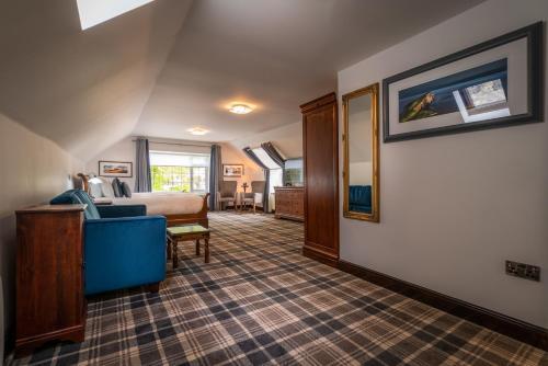 The lobby or reception area at Edinbane Lodge