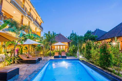 The swimming pool at or near Dinatah Lembongan Villas