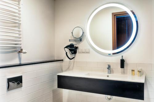 A bathroom at Focus Hotel Premium Lublin