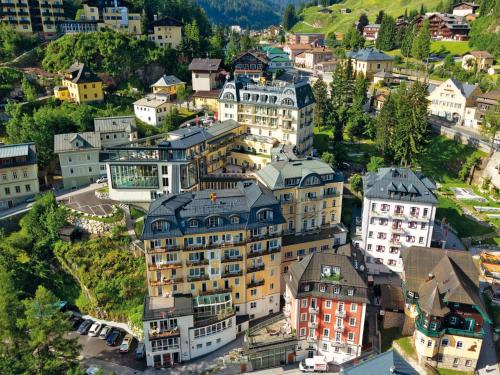 A bird's-eye view of Hotel Salzburger Hof