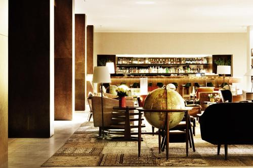 The lounge or bar area at Square Nine Hotel Belgrade