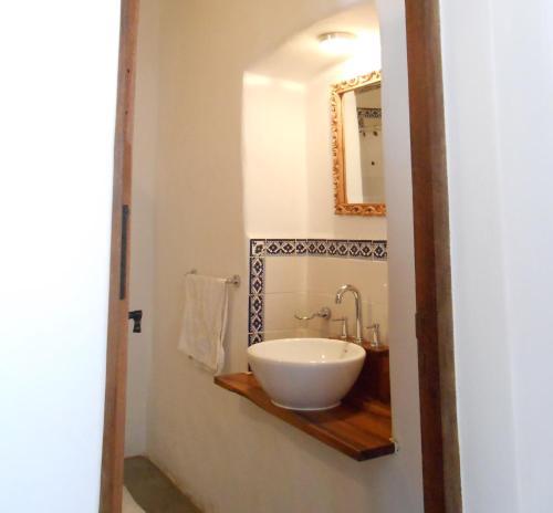 A bathroom at Hosteria Villa Cardon