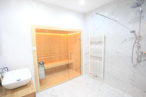 A bathroom at Zollikof Aparts - Sauna & Studioapartments