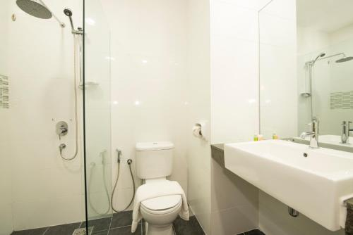 A bathroom at Nadias Hotel Cenang Langkawi