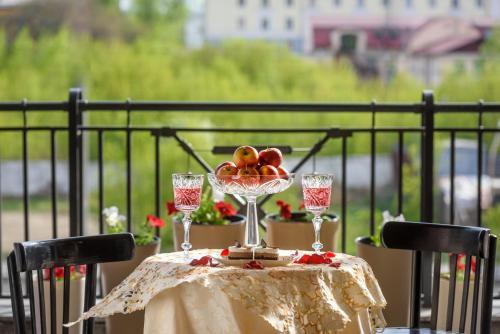 Un balcón o terraza de Sovetskaya Themed Hotel
